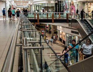 Abogados para caídas en centro comerciales